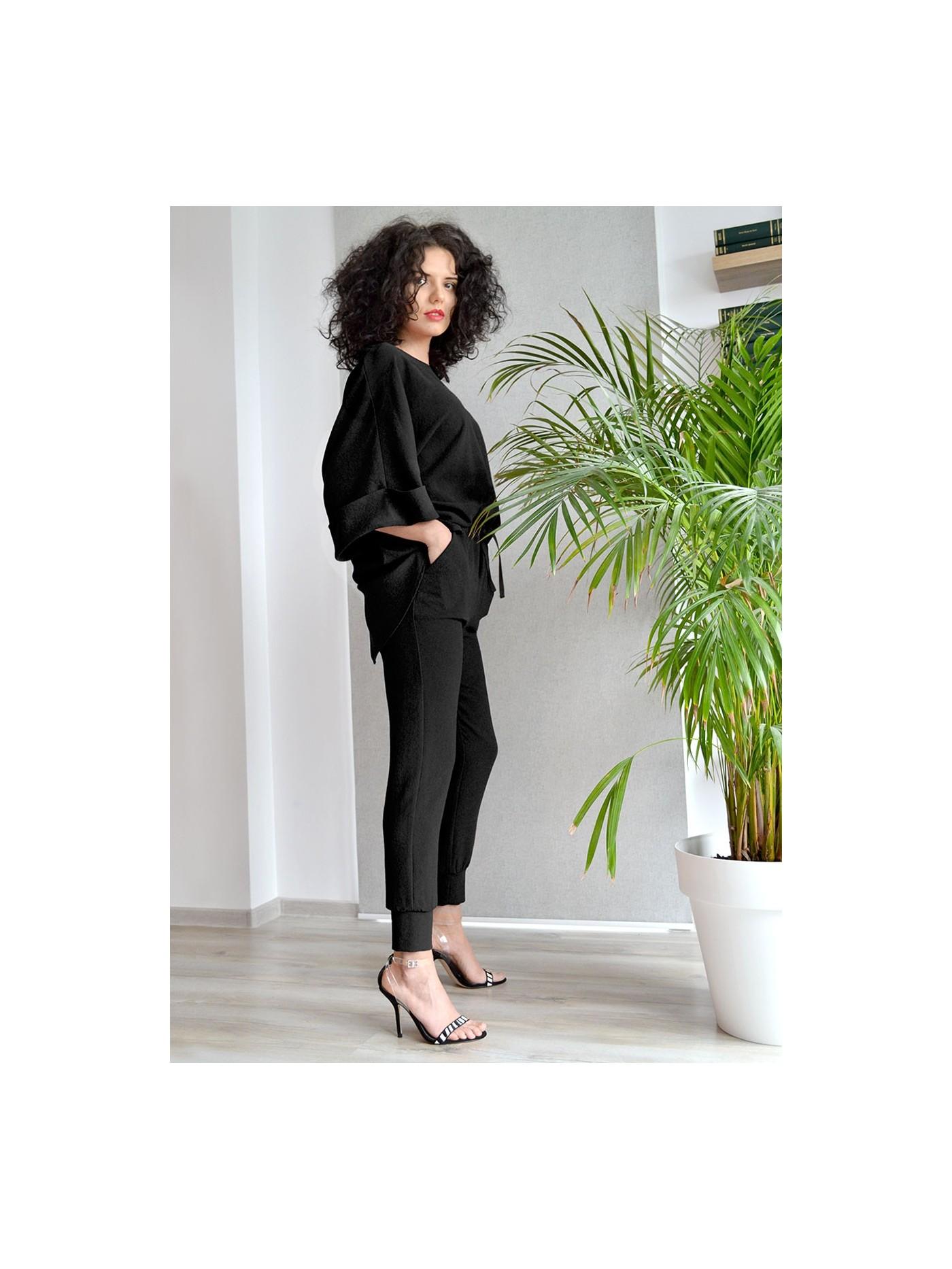 Pantaloni cu manseta si betelie elastica