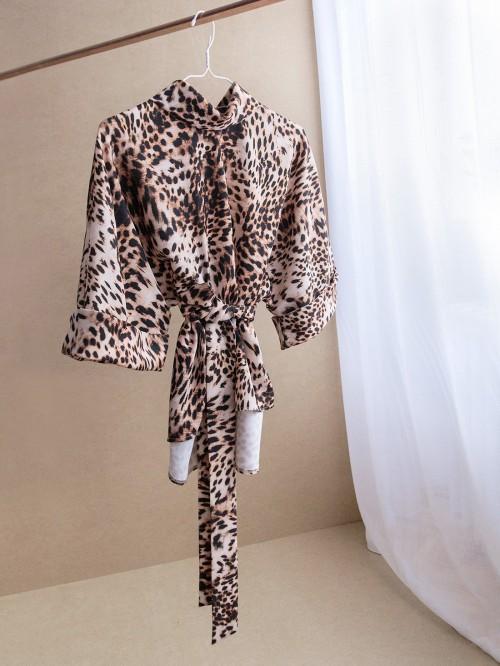 Bluza oversize  cu maneci trei sferturi si cordon in talie