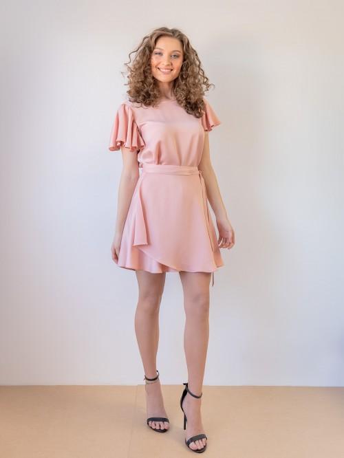 Compleu roz pal cu bluza si fusta scurta parte peste parte