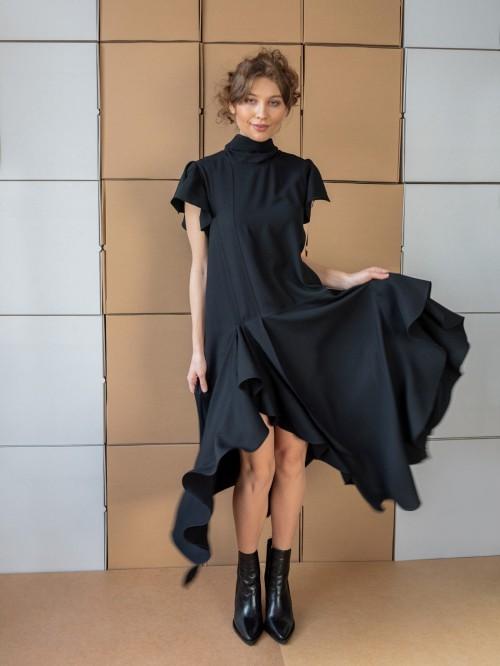Rochie lunga cu slituri laterale si volanase in cascada - Negru