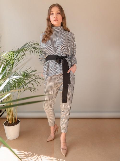 Compleu carouri: bluza cu doua cordoane si pantaloni